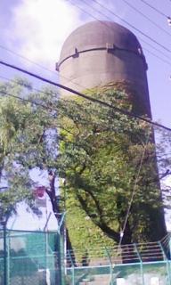 貯水池の塔.jpg